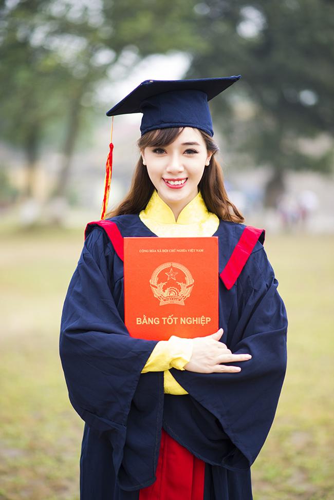 Thuê áo cử nhân, áo tốt nghiệp mầm non, tiểu học cấp 1, trung học cấp 2, cấp 3 đại học sinh viên