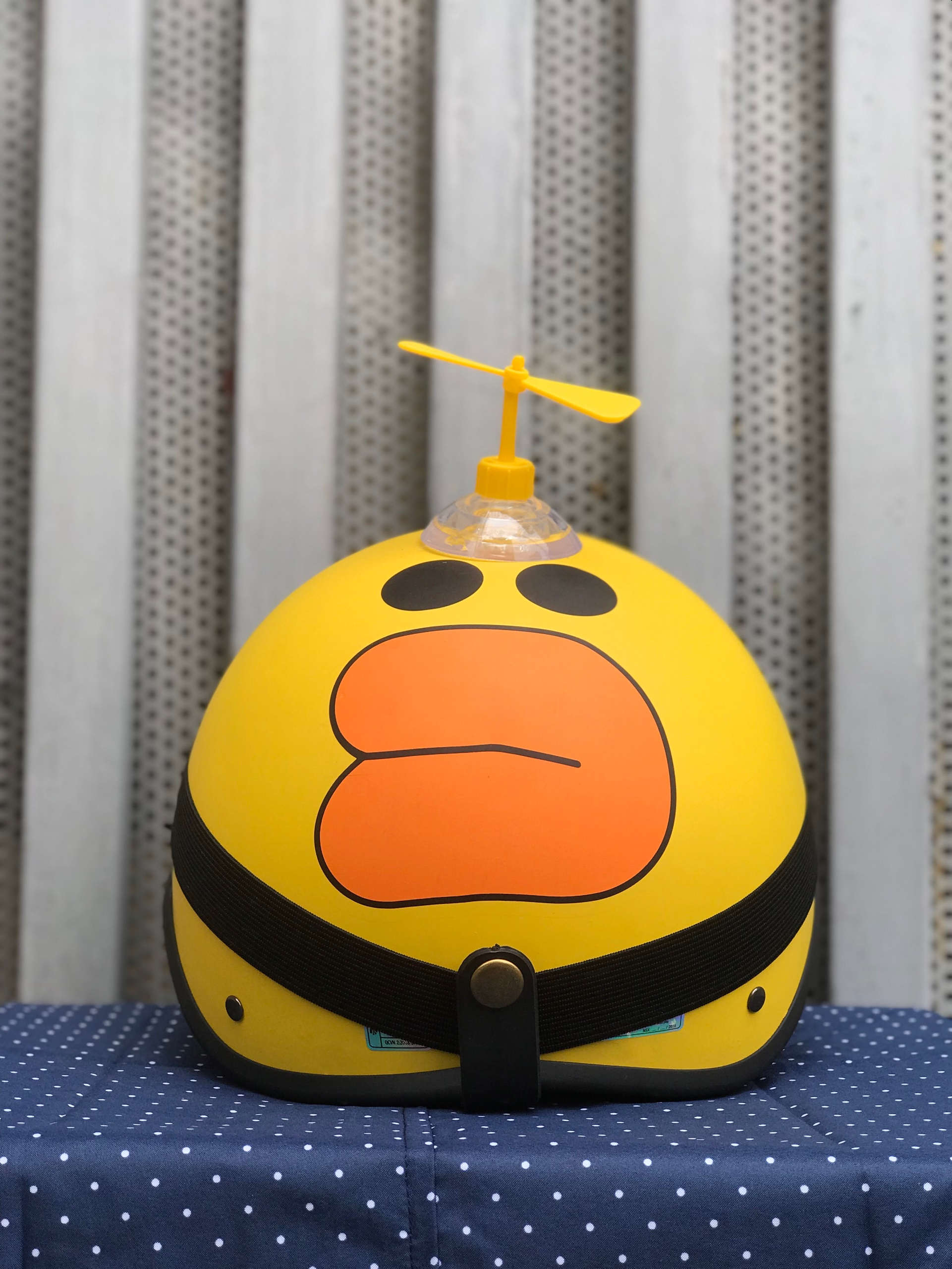 Mũ Bảo Hiểm 1/2 Bopa Tem Phượt - Vịt vàng