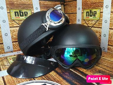 Mũ bảo hiểm 1/2 màu đen Tặng kính UV màu bất kì
