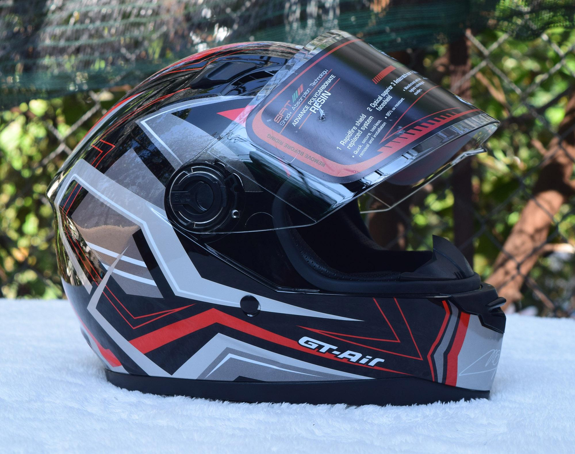 Mũ bảo hiểm fullface AGU họa tiết GT Air sọc đỏ