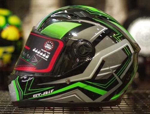 Mũ bảo hiểm fullface AGU họa tiết tem 46 xanh lá cây tươi mát (hàng chính hãng)