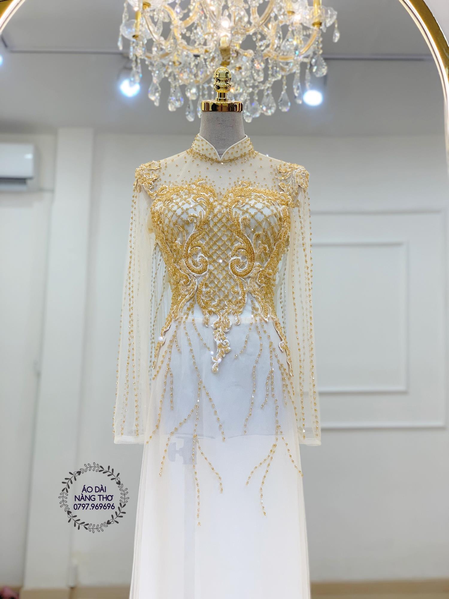 Áo dài cưới cô dâu ren trắng