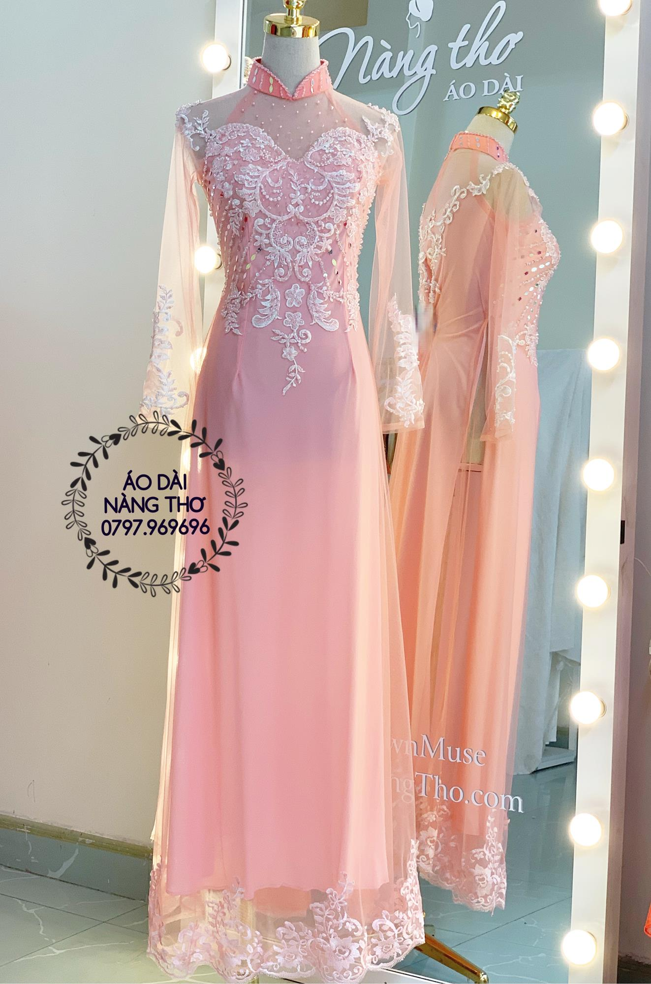 Áo dài cưới cô dâu ren hồng đính hạt trắng
