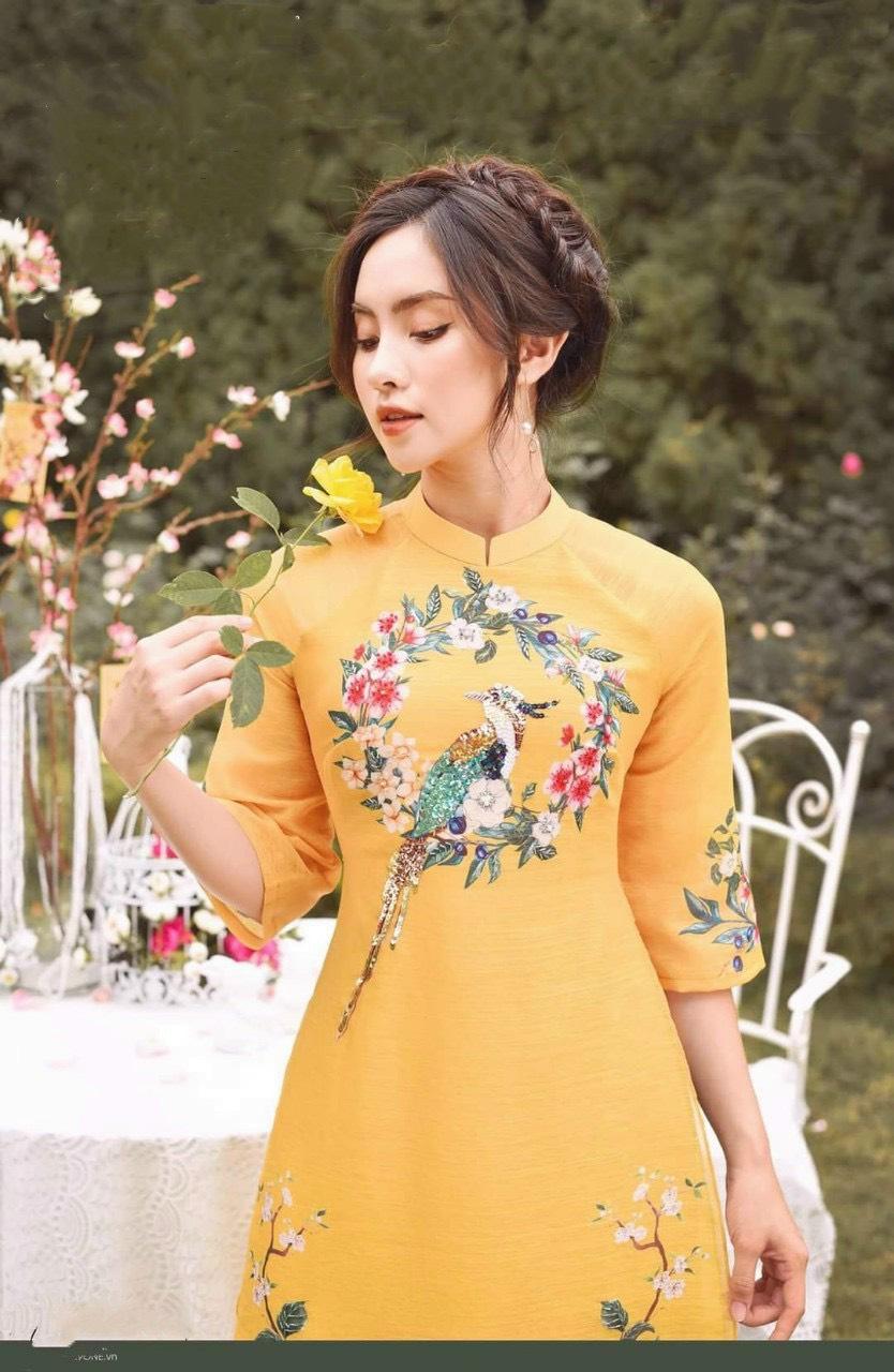 Áo Dài Cách Tân Voan Tơ Màu Vàng Họa Tiết Chim Hoa Lá Mùa Xuân