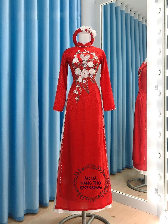 Áo Dài Cô Dâu Gấm Tơ Tằm Đỏ Đính Hạt Cao Cấp Kết Hoa Nổi 3D