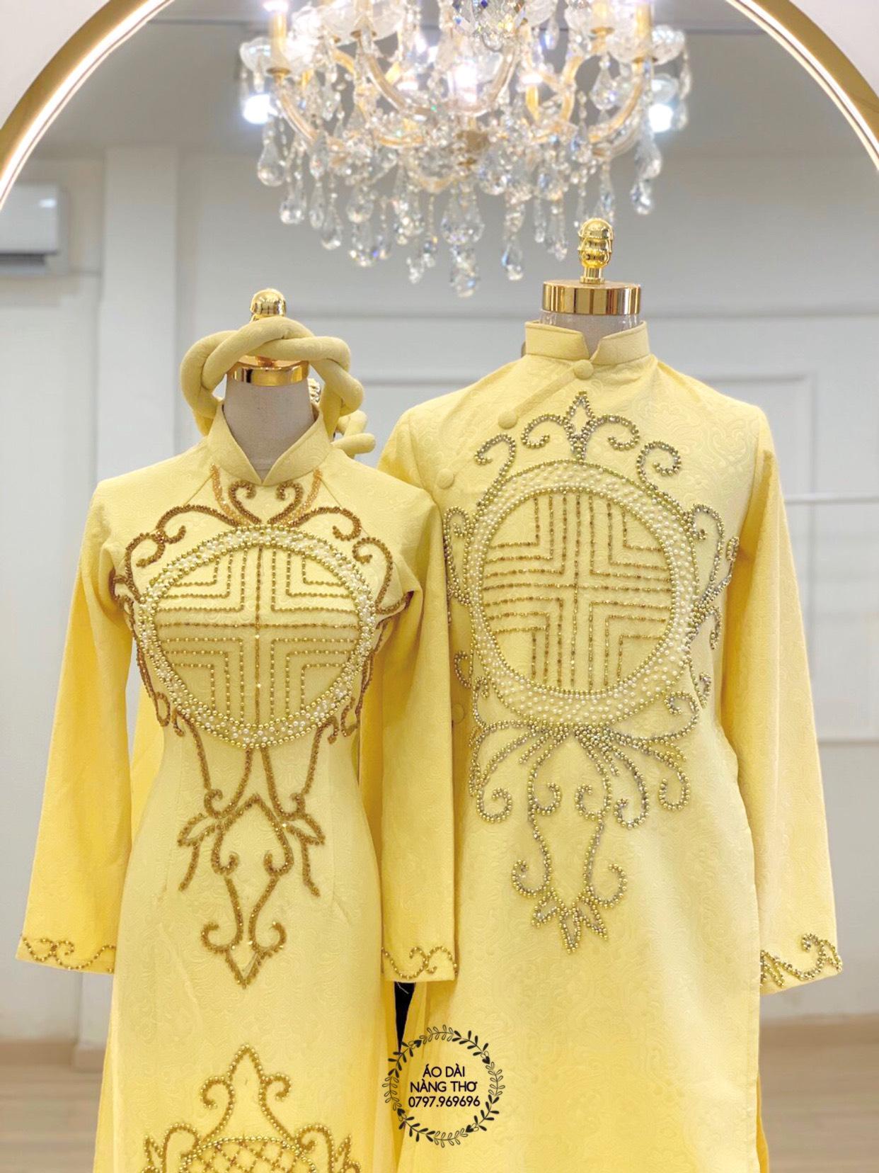 Áo Dài Cưới Cặp Gấm Vàng Kết Hạt Chữ Hỉ