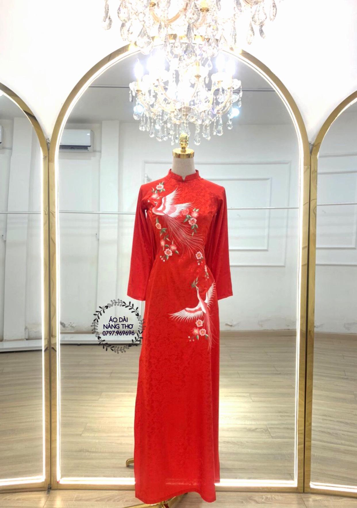 Áo dài Cưới Gấm Tơ Tằm Đỏ Thêu Họa Tiết Chim
