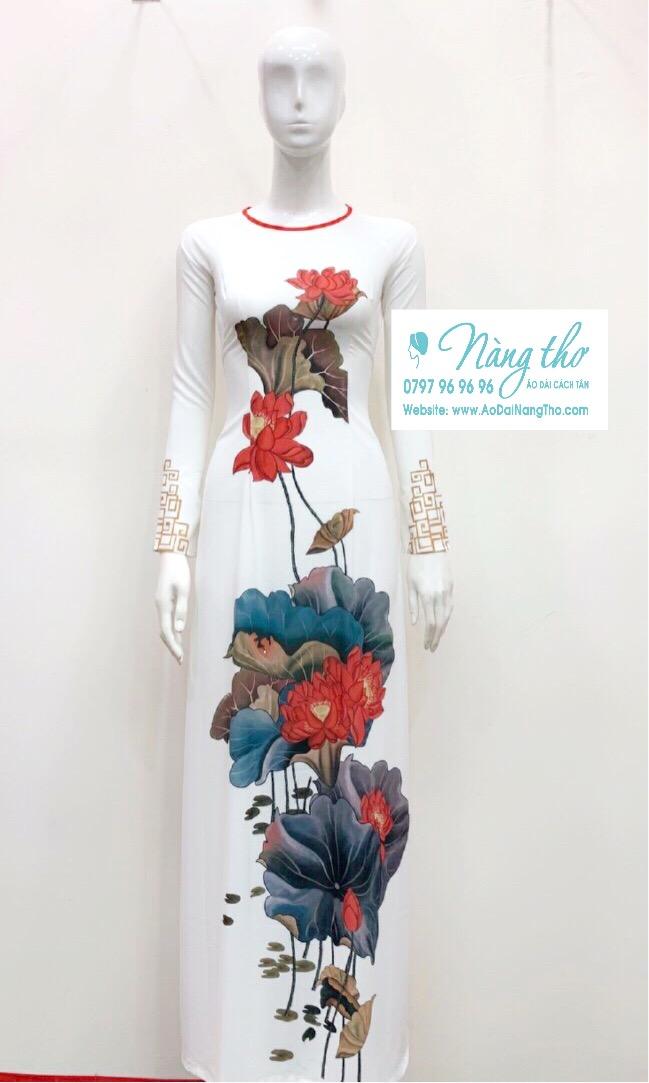 Áo dài truyền thống họa tiết hoa sen