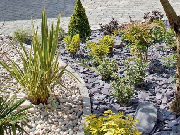 How To Use Pebbles As Mulch