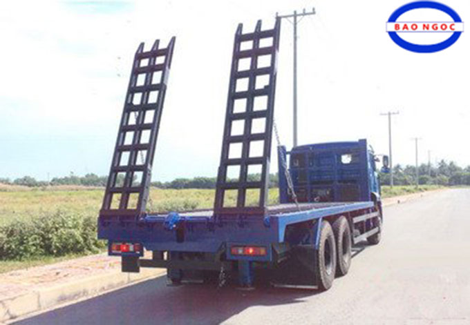 xe nang dau cho may cong trinh kamaz