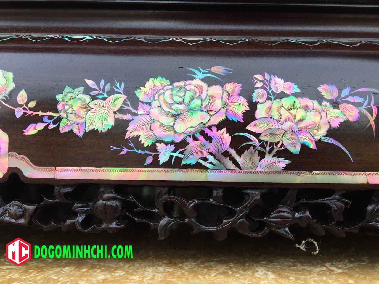Tủ chè khảm ốc liên chi gỗ gụ hàng đẹp 13