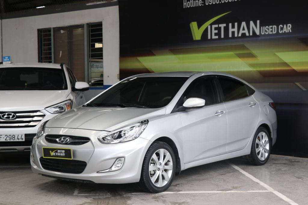 Hyundai Accent Blue 1.4AT 2013