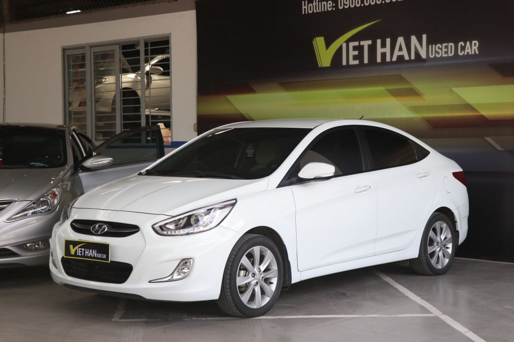 Hyundai Accent Blue 1.4MT 2015