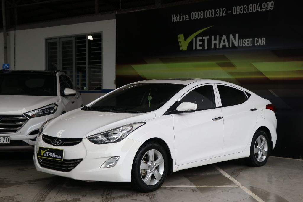 Hyundai Elantra GLS 1.8AT 2013