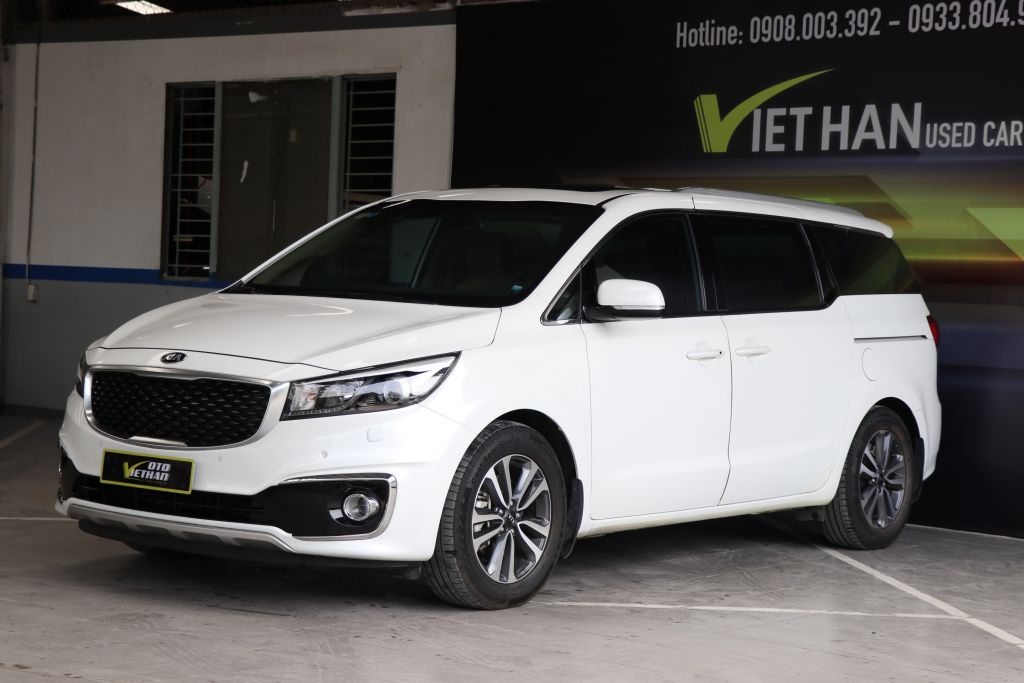 Kia Grand Sedona 3.3AT 2016