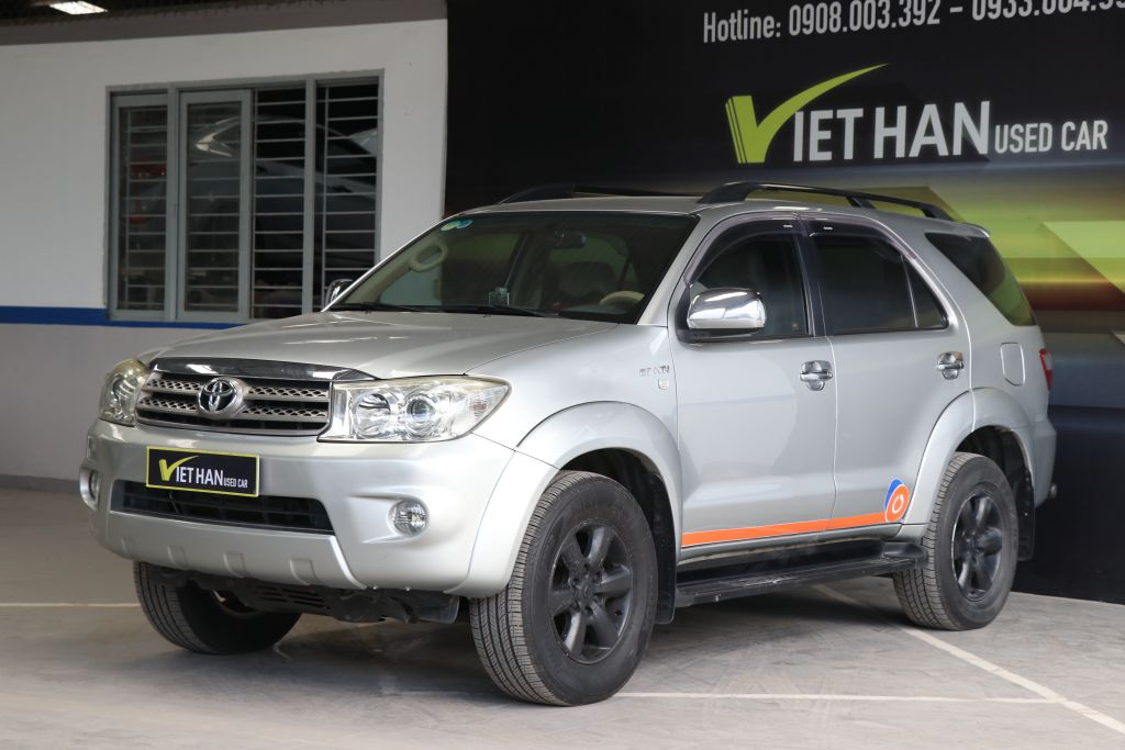 Toyota Fortuner V 2.7AT 2010