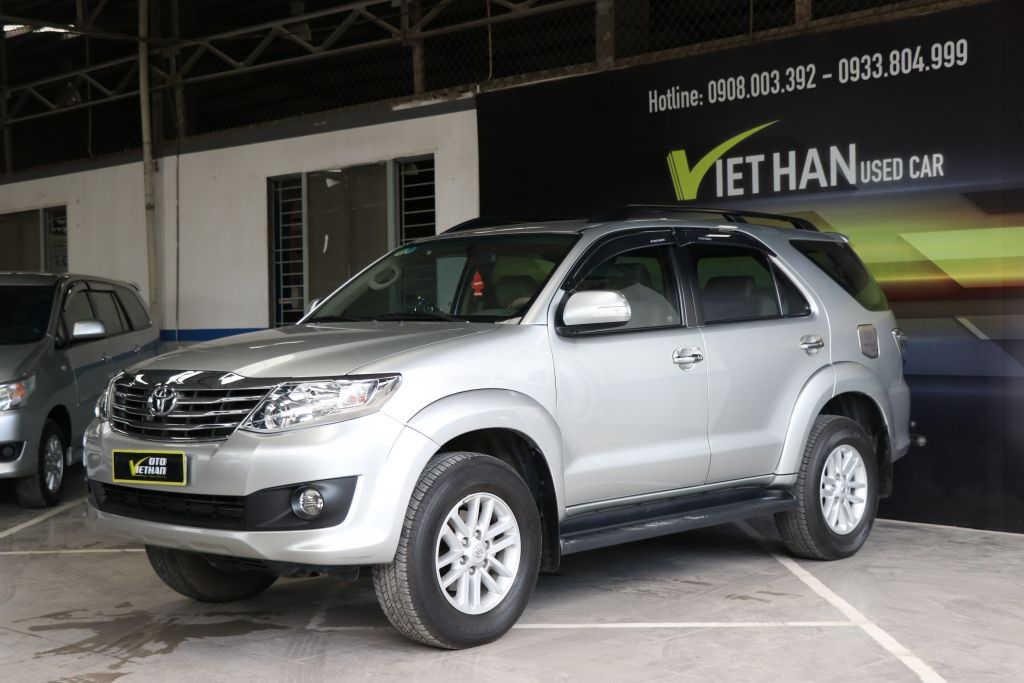 Toyota Fortuner V 2.7AT 2013