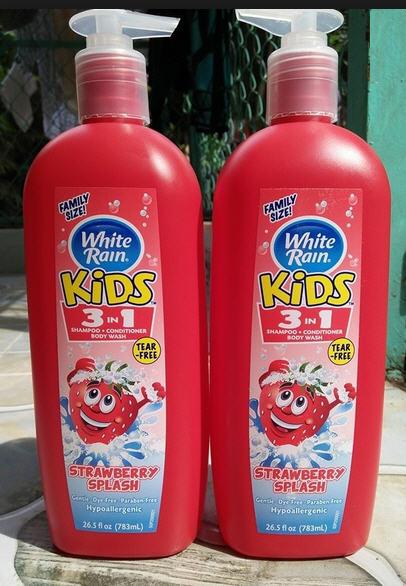 Dầu tắm gội White Rain Kids 3in1 Strawberry Splash 783 ml