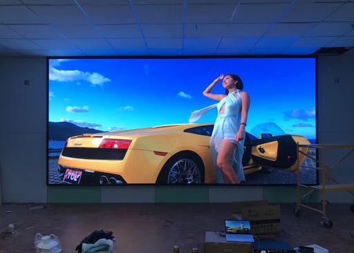Màn hình quảng cáo treo tường 65 inch