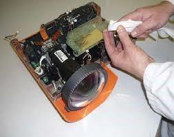 Sửa chữa máy chiếu giá rẻ ở đâu?