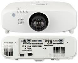 Máy chiếu Panasonic PT-EZ770E