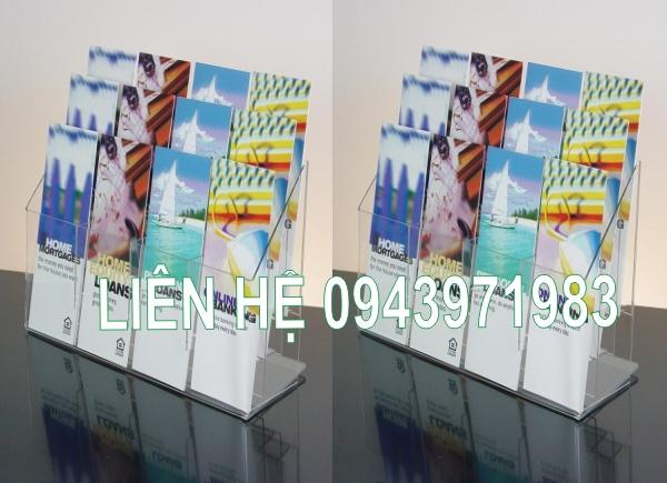 Kệ để sách mica treo tường bán tại TP.Hồ Chí Minh