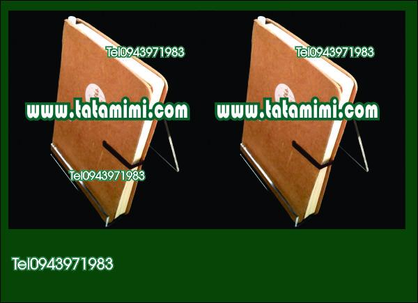 Các loại mẫu kệ sách mica để bàn