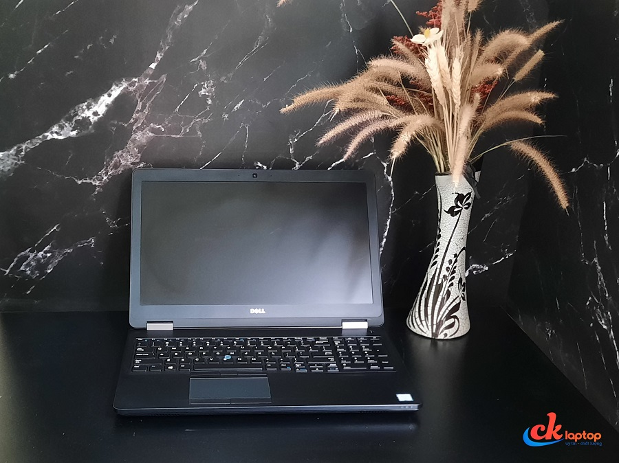 DELL LATITUDE E5570 CPU I7 - 6820 HQ / RAM 8GB / SSD 256GB / MÀN 15.6 INCH FHD IPS