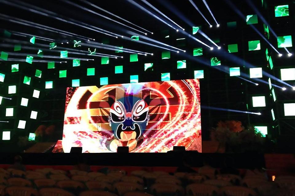 Hình ảnh sống động cùng với màn hình sử dụng Module P5 full color