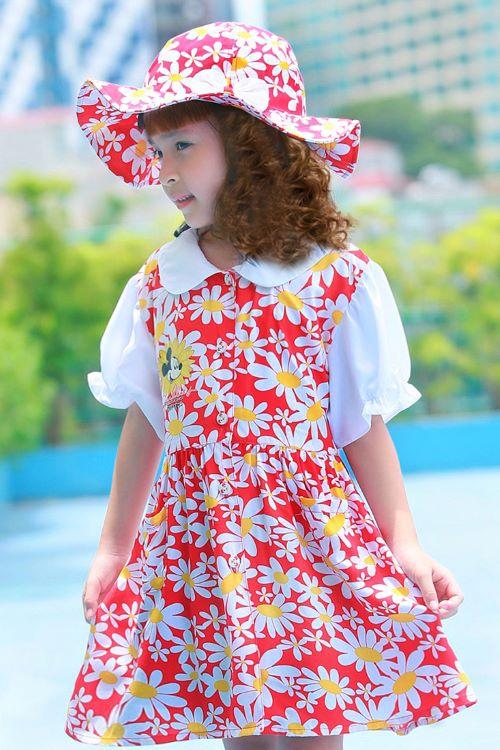 Bộ váy kèm mũ trẻ em màu đỏ hoa to EK07