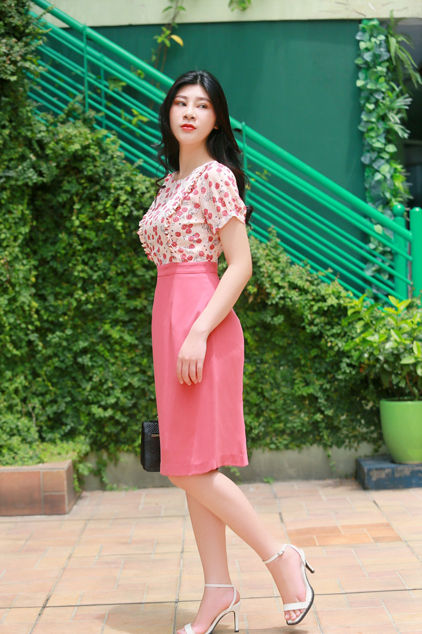 Váy công sở phối hoa nhí thời trang màu hồng EV01