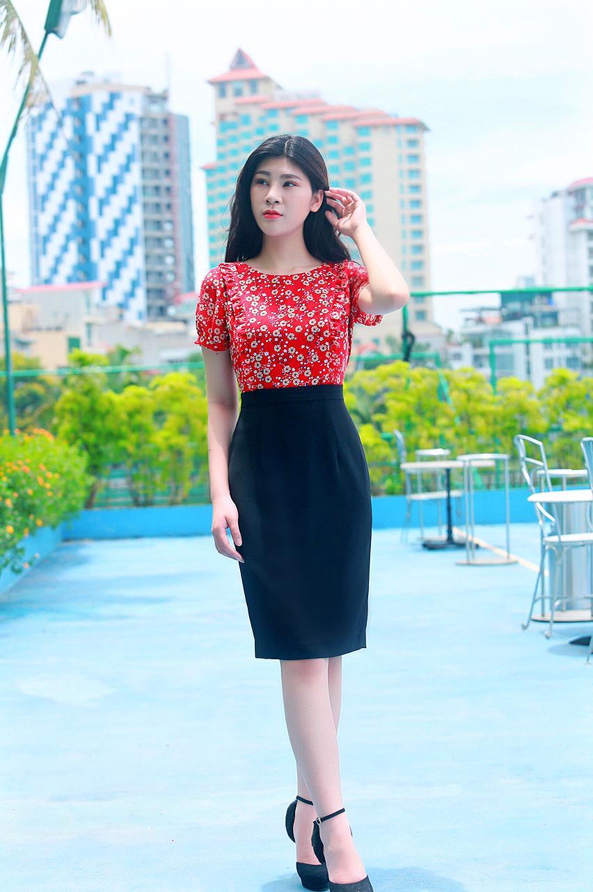 Váy công sở phối hoa nhí thời trang màu đỏ đậm EV02
