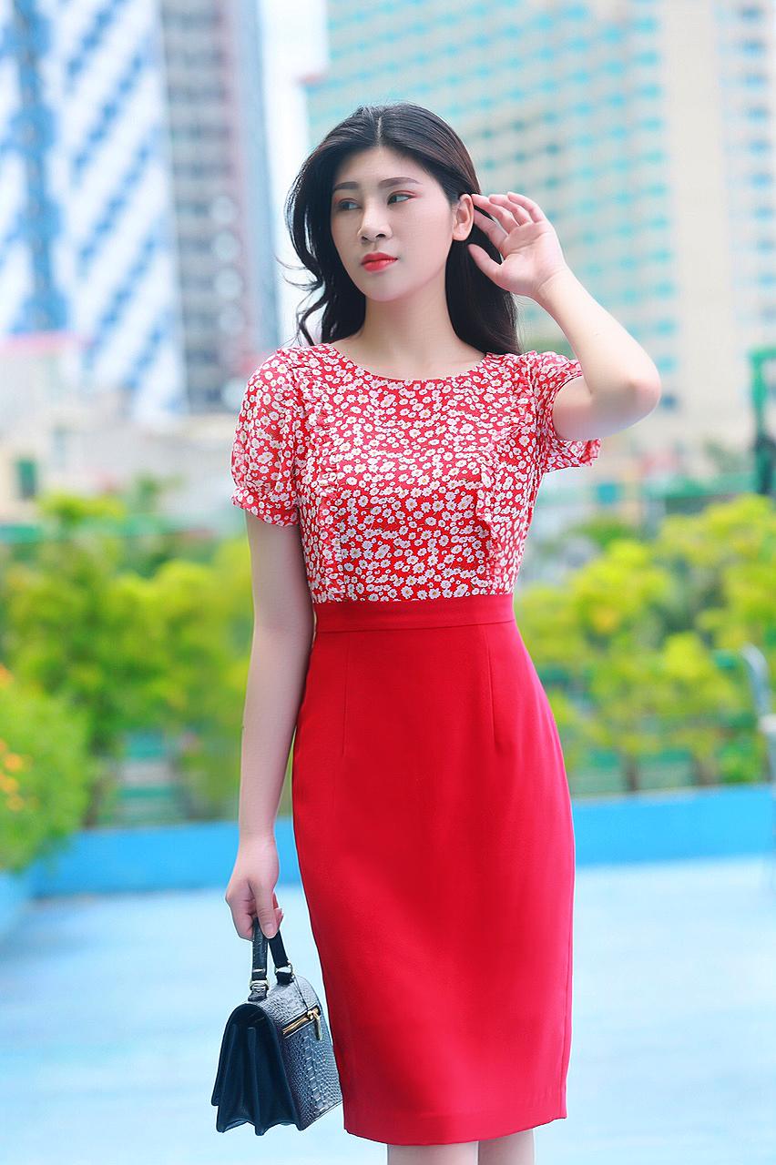 Váy công sở phối hoa nhí thời trang màu đỏ nhạt EV05