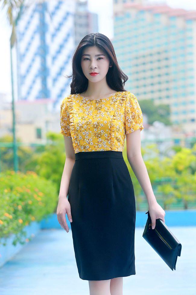 Váy công sở phối hoa nhí thời trang màu vàng đậm EV07