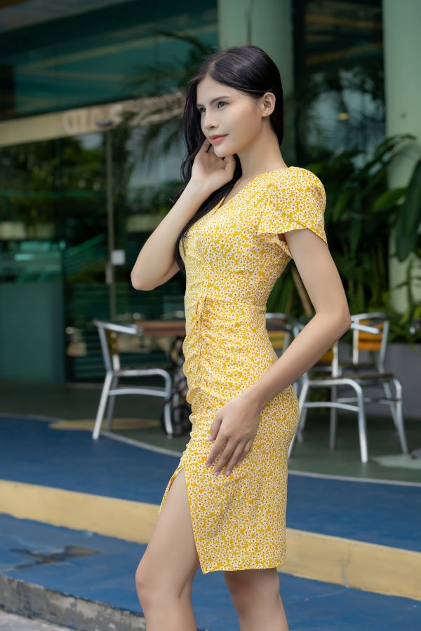 Váy xẻ rút dây ELMI cao cấp hoa nhí màu vàng EV17