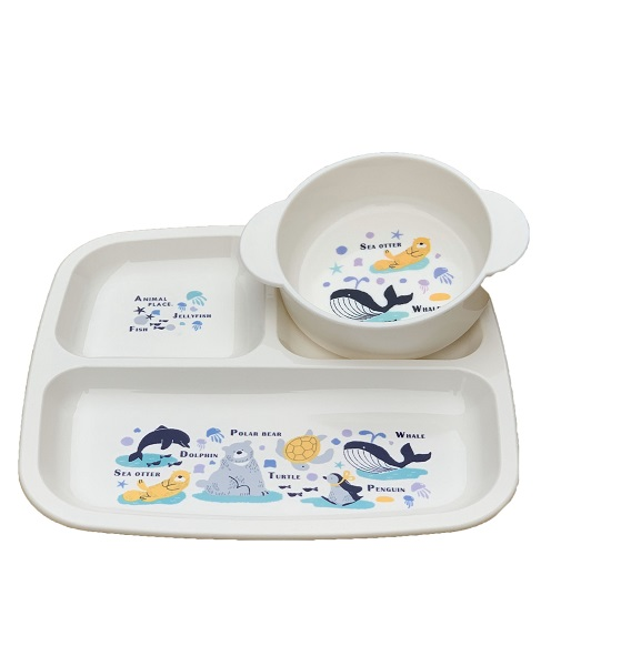 Bát ăn cho bé có quai cầm ,hình cá voi - Hàng Nhật nội địa