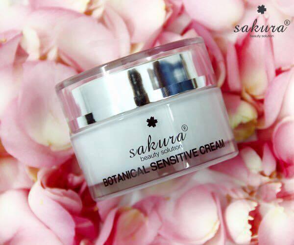 Kem dưỡng dành cho da nhạy cảm Sakura Botanical Sensitive Cream 30g