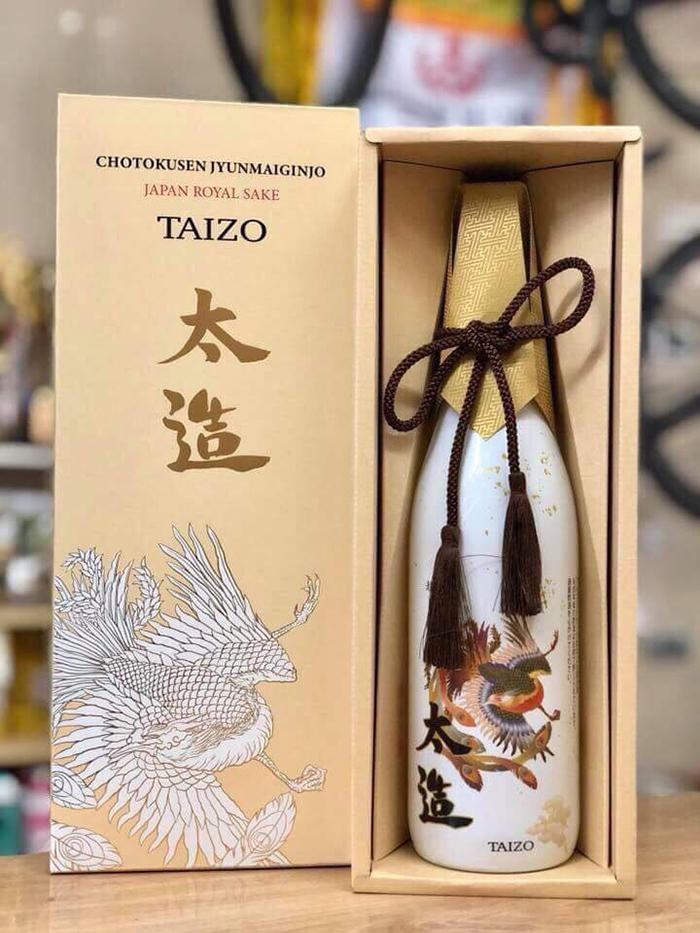 Rượu Sake Japan Royal Taizo Hoàng Đế 720ml ( kèm hộp đựng cao cấp)