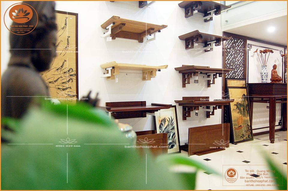 - Bàn thờ treo tường chung cư - chất liệu gỗ gụ - kích thước 48 x 69 - ám khói 41 x61 chữ thọ hán - màu sắc tự nhiên gỗ gụ [màu gụ]