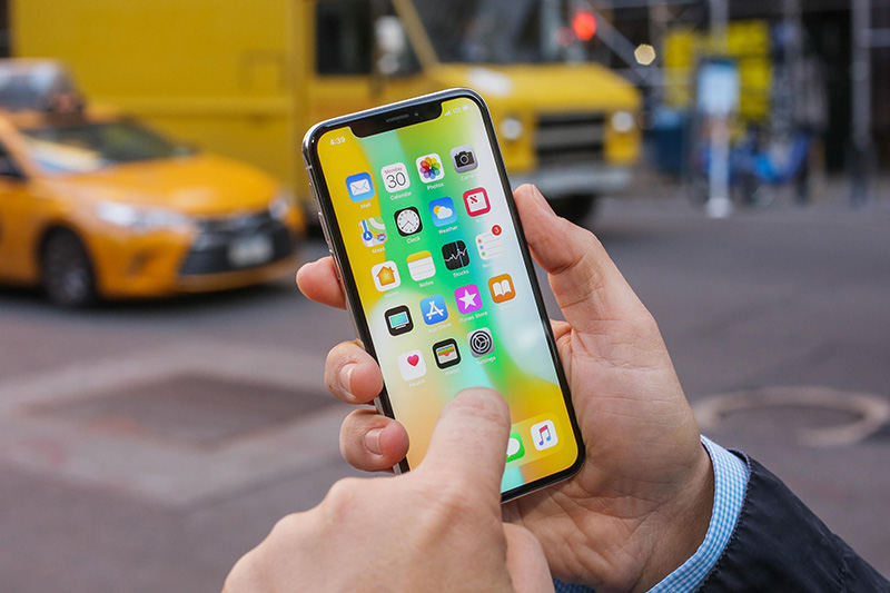 apple-se-sua-mien-phi-iphone-x-co-man-hinh-bi-loi-cam-ung-cho-den-nam-2020-co-ca
