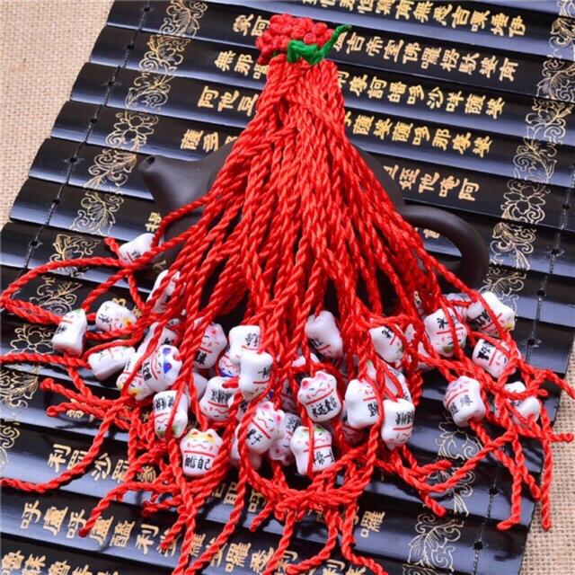 Sét nguyên liệu làm 10 vòng tay chỉ đỏ kèm mèo gốm