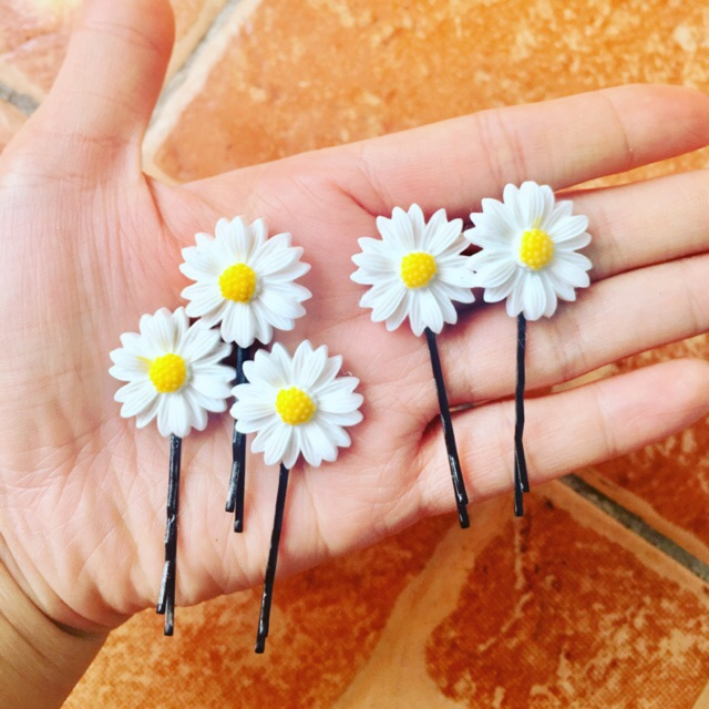Kẹp tăm hoa cúc, dây buộc tóc, huy hiệu hoa cúc