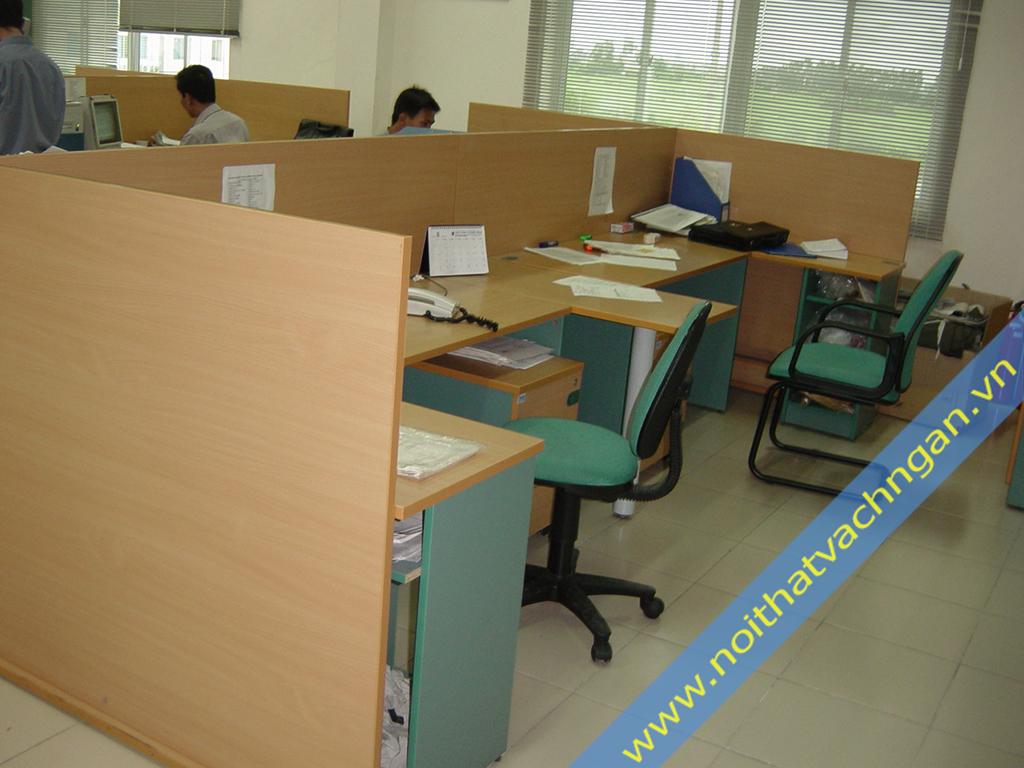 Vách ngăn bàn làm việc gỗ VBK02M