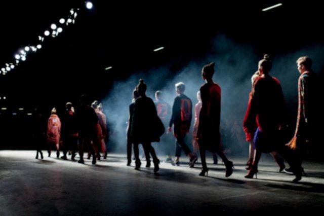 """Chuẩn mới của thời trang: Phải """"lan tỏa"""" đến mọi giác quan"""