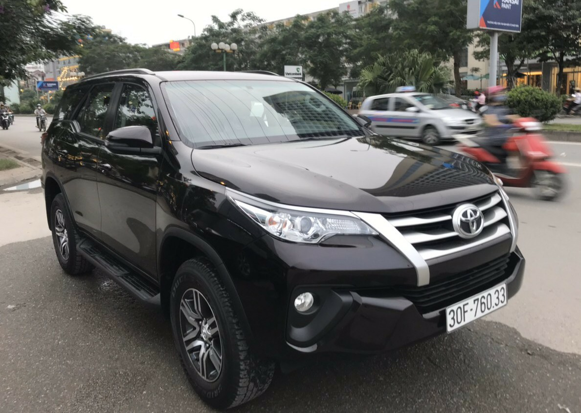fortuner-duong-dai-6-500d-km-noi-thanh-1-100-000d-ngay