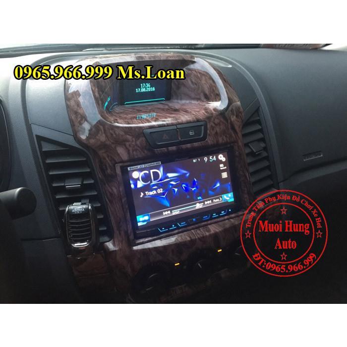 trang-tri-noi-that-xe-ford-ranger-2016