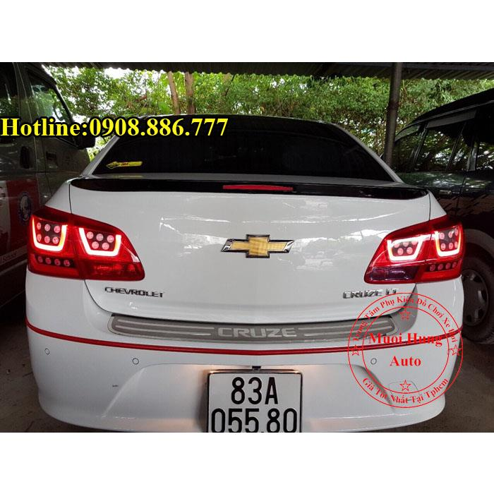 do-den-hau-cho-chevrolet-cruze-gia-re