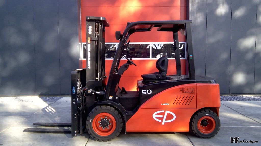 xe nâng điện CPD45/50F8