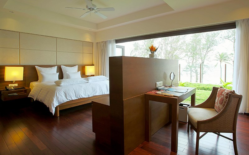 VOUCHER PULLMAN ĐÀ NẴNG BEACH RESORT 5*