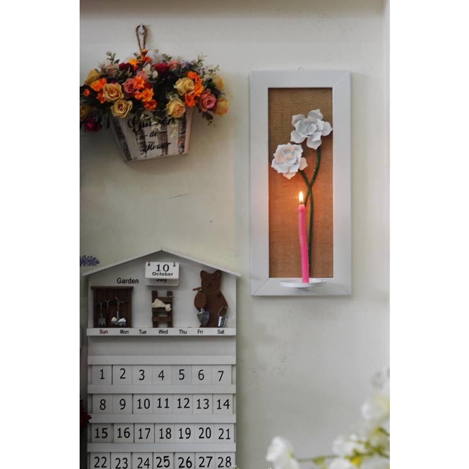 Kệ nến treo tường hình khung tranh bông hoa - KN027